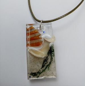 Jewelry - Resin rectangle beach necklace